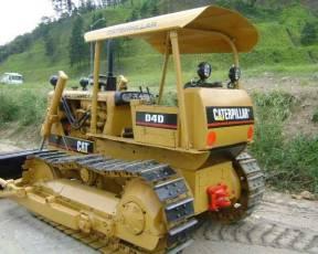 Trator de esteira CAT D4D