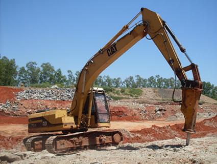 EscavadeiraHidráulicaCAT320B_RompedorHidráulico